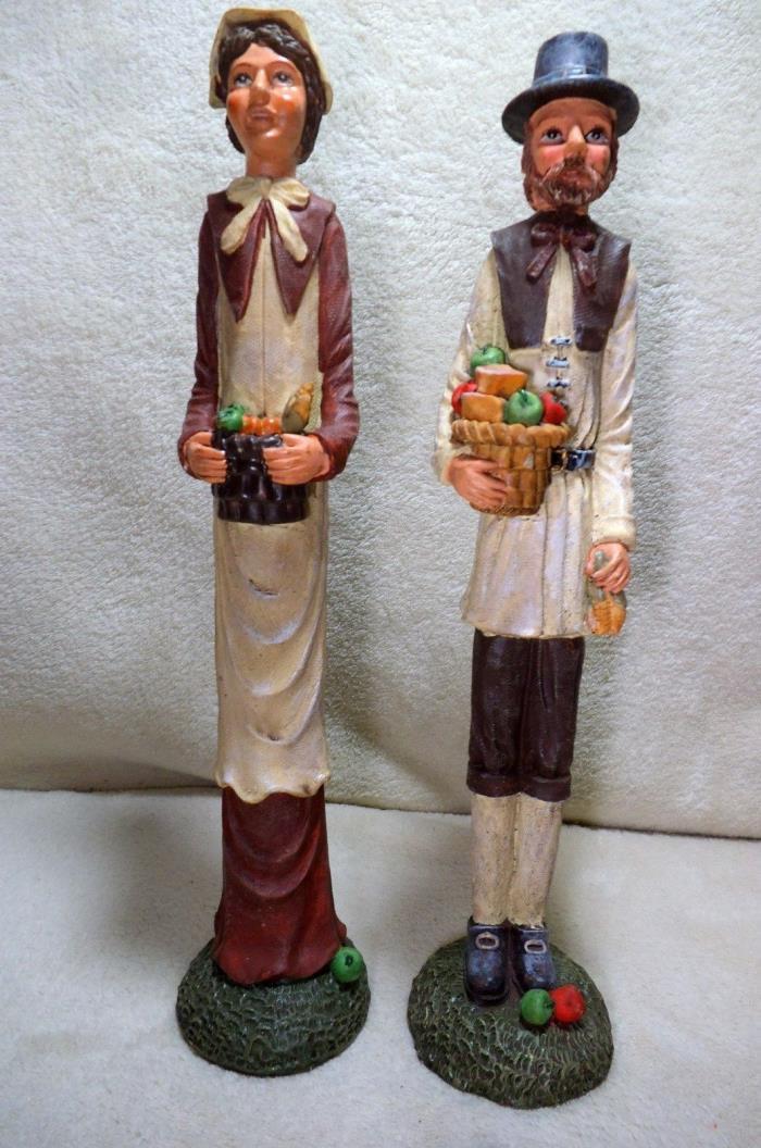 man & women pilgrims old looking animated
