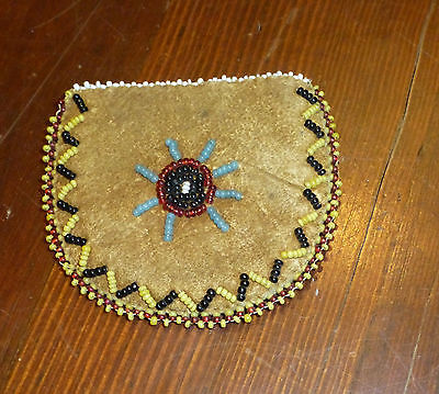 OLD  Southern Plains Native American Indian beaded  Bag