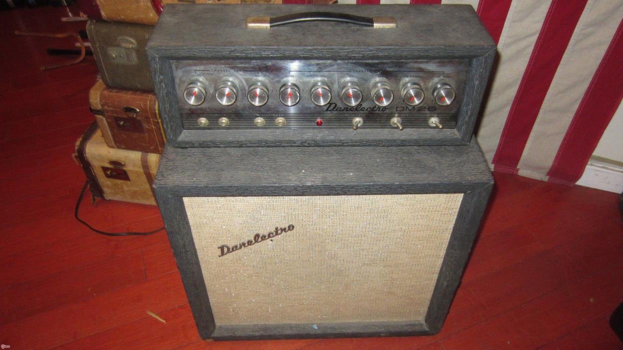 Vintage Circa 1965 Danelectro DM-25 Piggyback Combo Electric Guitar Amplifier