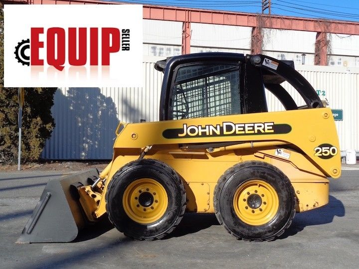 John Deere 250 Skid Steer Loader - Enclosed Cab - Auxiliary Hydraulics