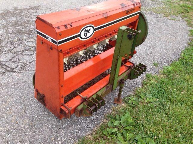 3ft Tye Landscape Seeder (LOW COST SHIPPING)