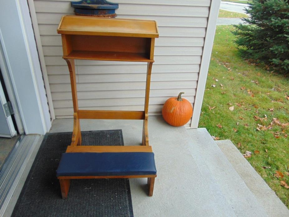 vintage/antique  prayer bench   nice  # 3651
