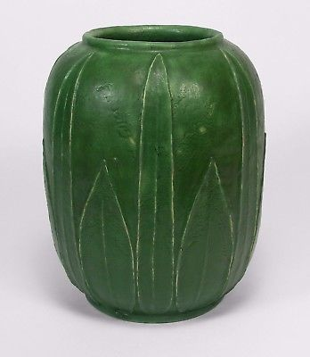 Grueby Pottery matte green double leaf row watermelon vase Arts & Crafts Boston