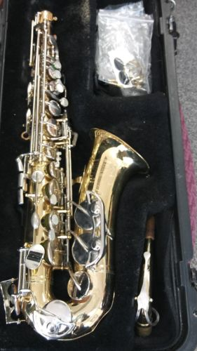 Vintage Bundy 2  Saxophone IN CASE  The Selmer Company