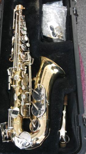 Vintage Bundy 2  Saxophone IN CASE  The Selmer Company