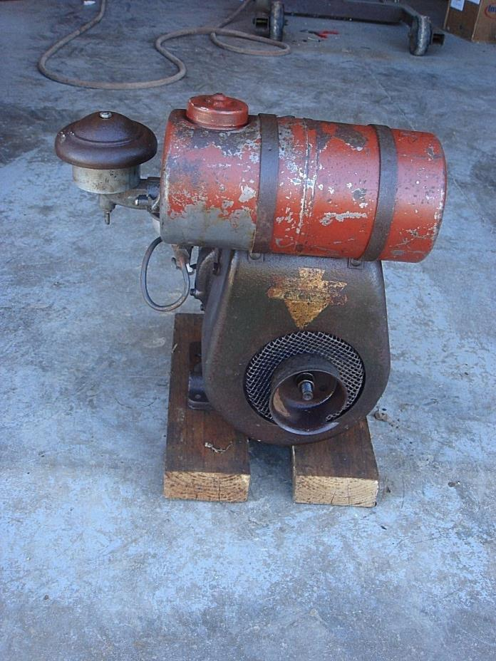 Vintage Antique Clinton 700  B700COD  Cast Iron  Gas Go Kart  Engine Motor