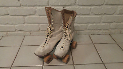 Vintage Women's White Leather Roller Skates Wooden Wheels Chicago Size 5