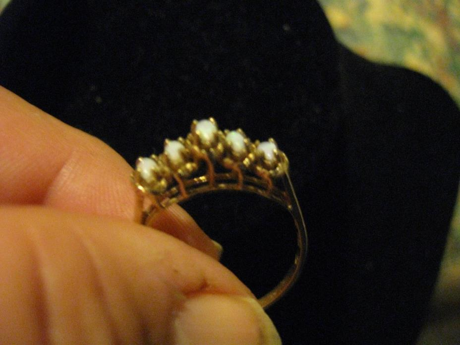 10KT GOLD -w- Opals Ring Size 10
