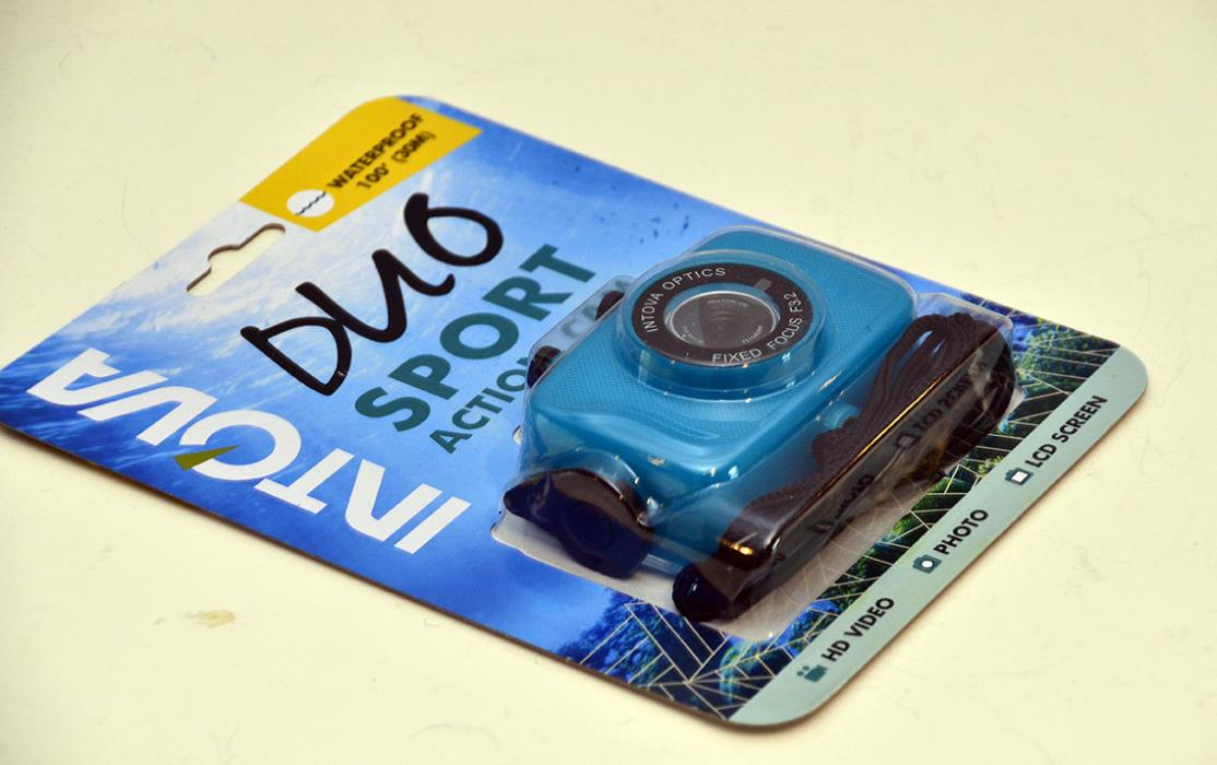 Intova Duo Waterproof HD Outdoor Sports Video Action Camera - Aqua w/8GB Card