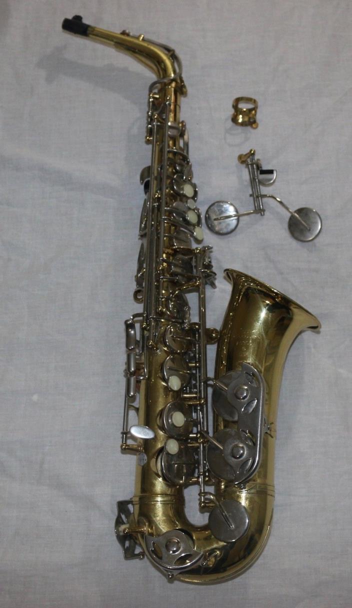 Selmer AS 300 USA Saxophone Alto with Mouthpiece & Case