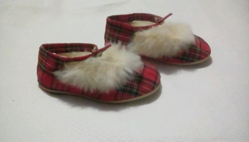 Vintage 1960s RED TARTAN PLAID Shoes Slippers Rabbit Fur Trim Toddler