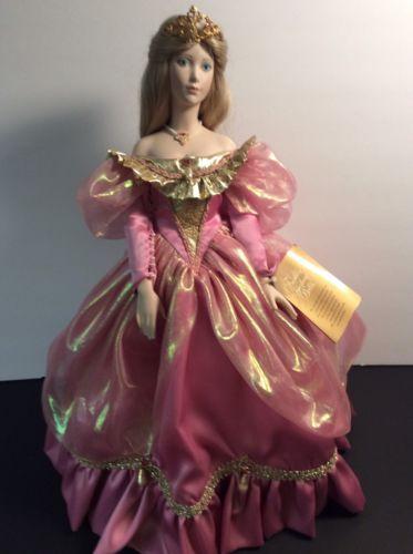 Cinderella Franklin Mint Heirloom Porcelain Doll Vintage.