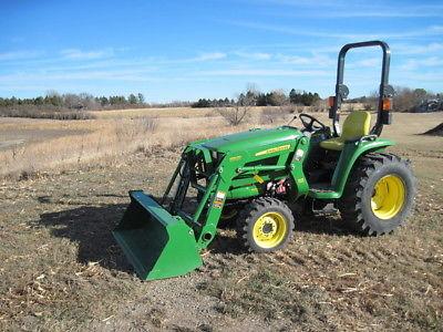 2015 John Deere 3038E Utility Tractors