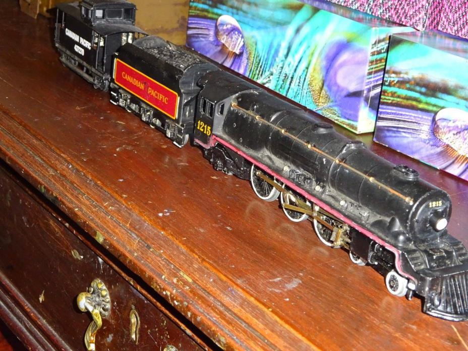 Hornby Dublo C P Freight trio   Engine , tender ( behind )N caboose.  exc