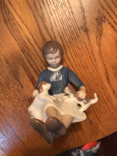 Bing & Grondalhl Girl With Puppy Dog + Kitten #2333 Figurine