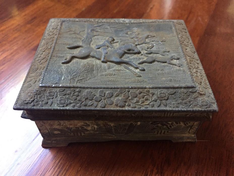 ANTIQUE VINTAGE METAL FOOTED TRINKET SNUFF BOX WITH WOODEN WOOD LINER JAPAN