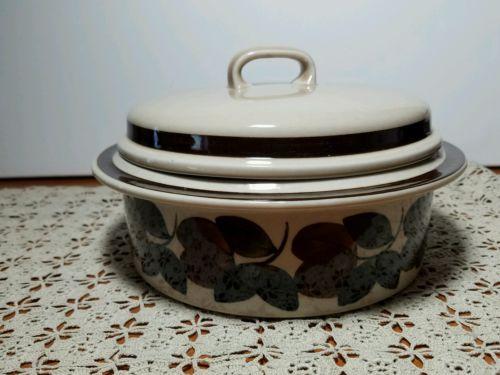 Vintage Arabia Finland Ruija Casserole Dish with lid