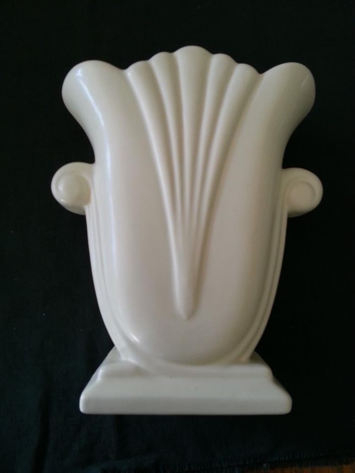 Royal Haeger Pottery Tulip Scroll Matte Off White/Creme Vase