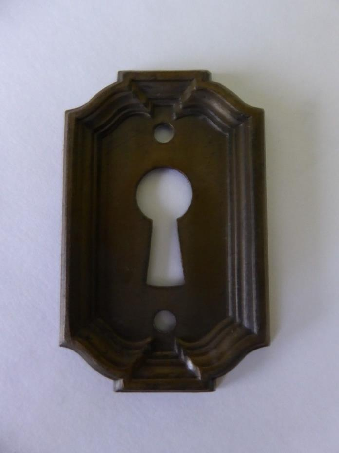 YALE * VINTAGE / ANTIQUE - BRASS PLATED * KEY HOLE COVER *  ESCUTCHEONS