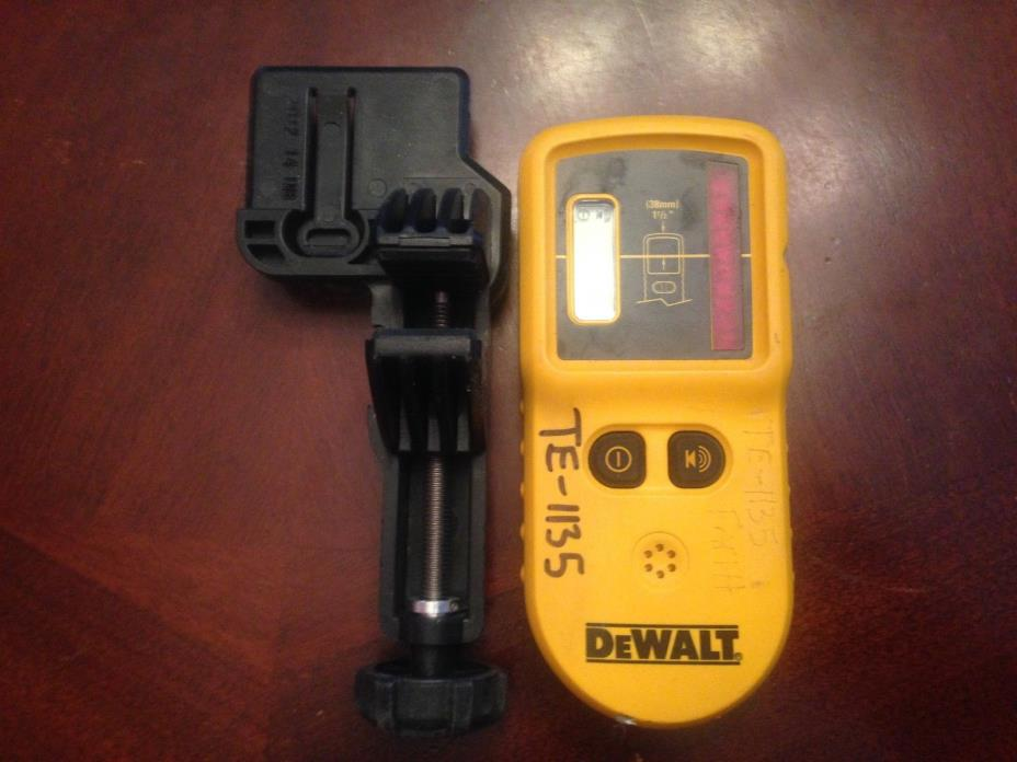 DeWalt DW0742 Laser Level Detector Remote  with stick holder