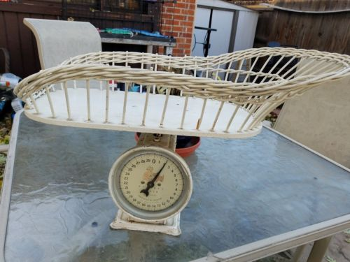 VINTAGE BABY SCALE WITH WICKER BASKET - GREAT COLLECTIBLE!
