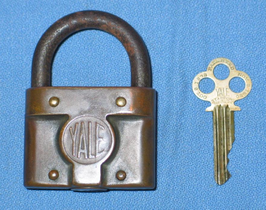 Antique 1878 1880 Brass Bronze YALE Y&T Working PadLock with Original Key Tool