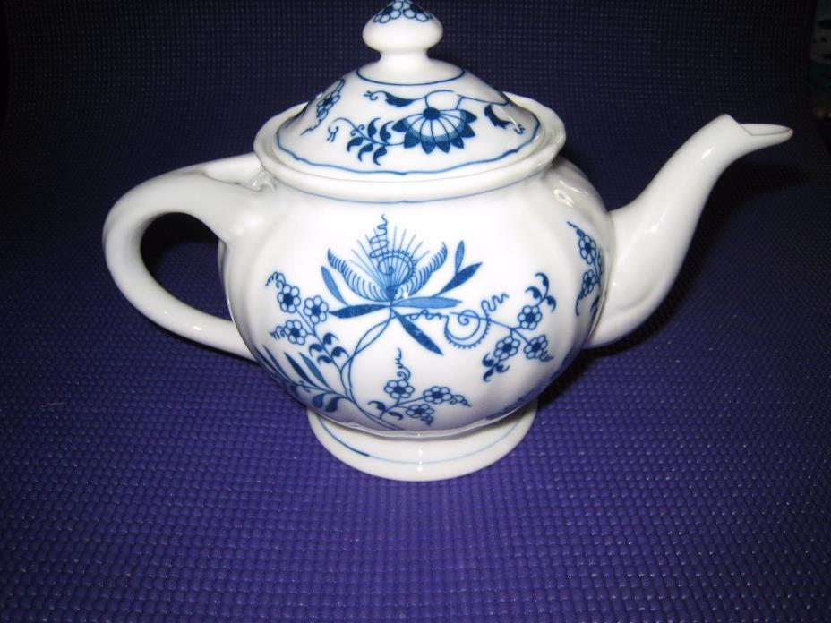 BLUE DANUBE 3 CUP TEAPOT W/ OLDER RIBBON MARK