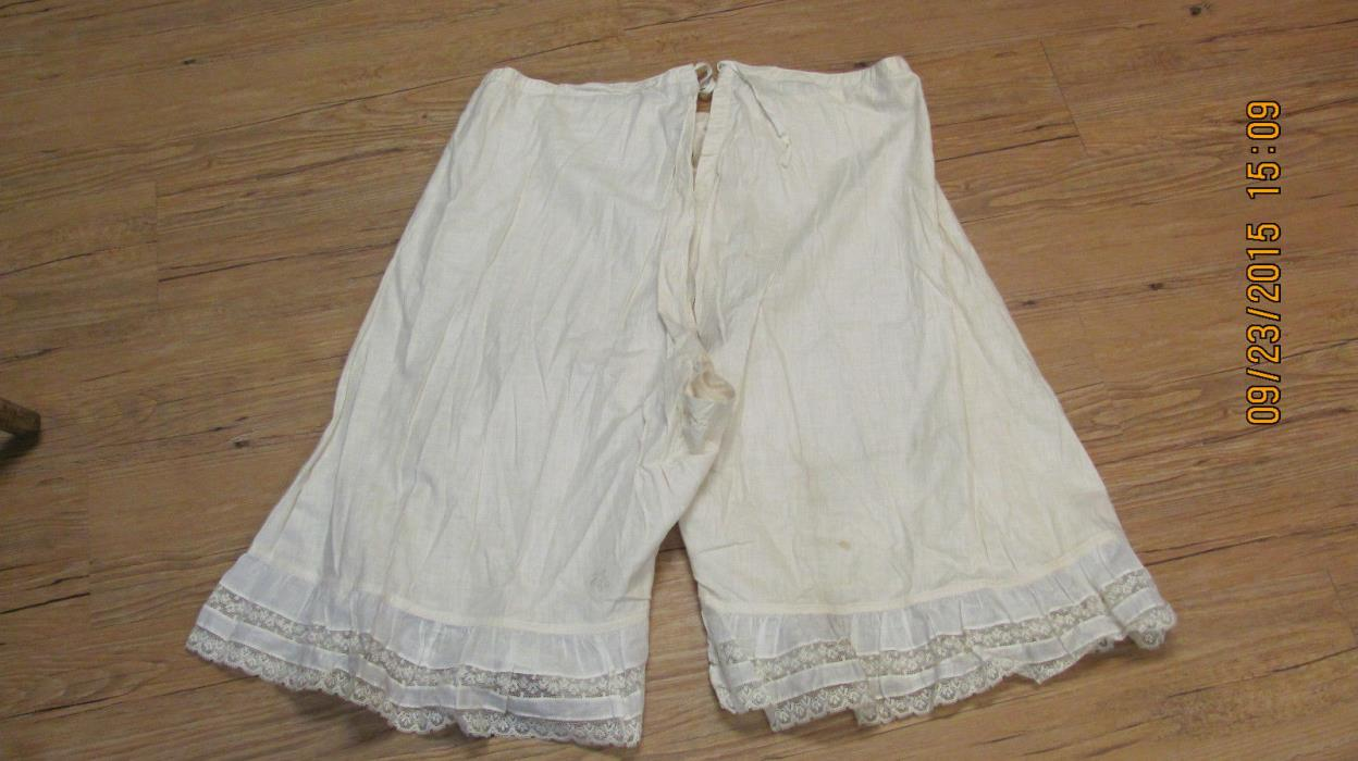 VINTAGE 1920's LONG LEG CROTCHLESS BLOOMERS. FINE LAWN COTTON LACE ACCENT