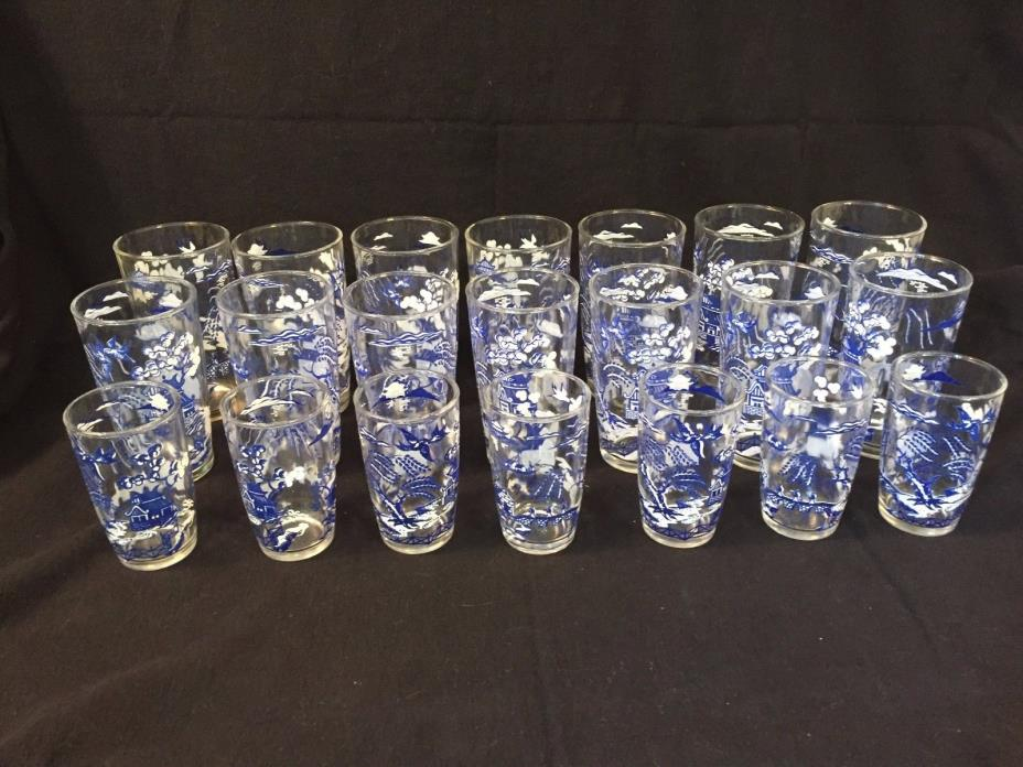 Set of Vtg Blue Willow Glasses in Three Sizes Juice  Drinking  Tumblers