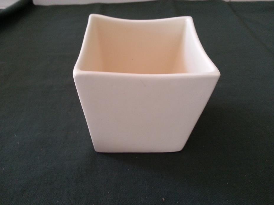 Haeger Pottery #3716 Matte Off White/Creme 4
