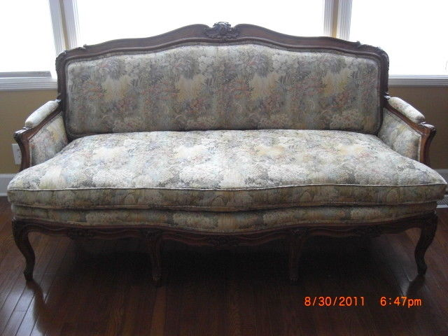 French Louis XV Style Carved Loveseat Settee Sofa Chaise Couch French