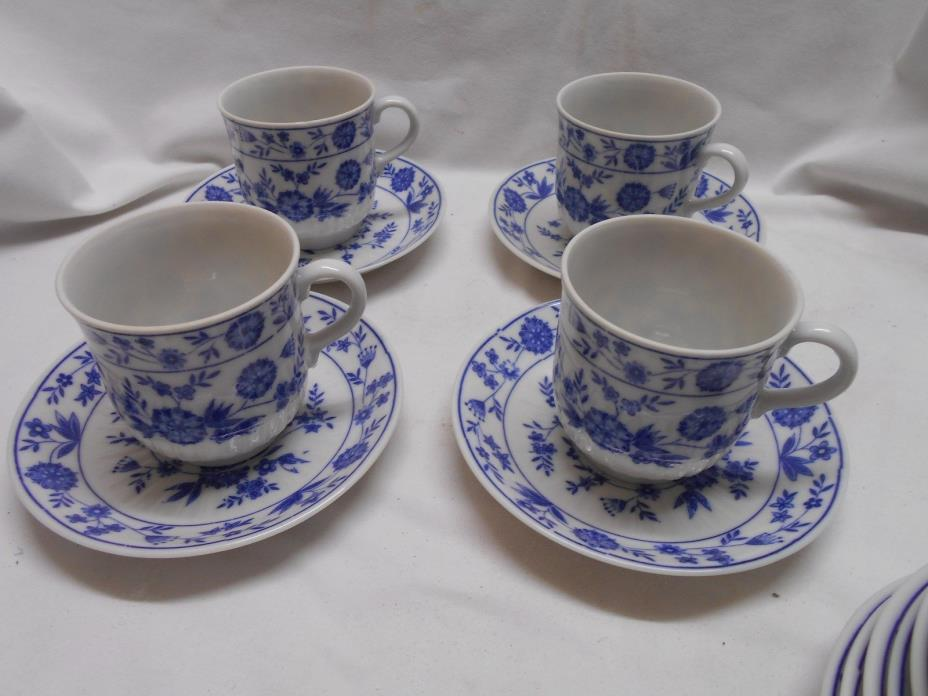 4 vintage blue & white demitasse / small cups & saucers blue onion ? flowers #2