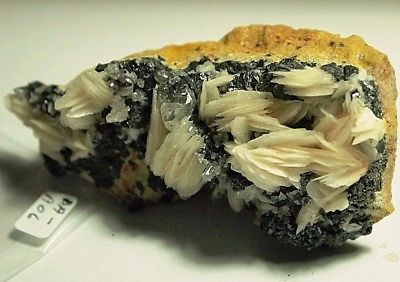 Barite crystal on hematite/limonite specimen,80x38x22mm,467.77ct,3.3oz,BA-A06