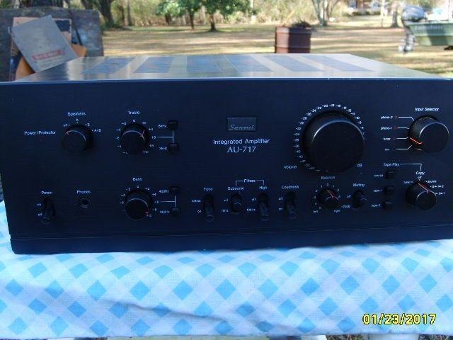 Sansui  AU 717 Amplifier