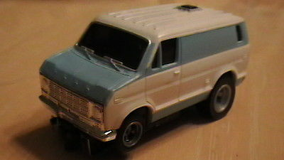 AFX/AURORA FORD VAN SLOT CAR in FLAWLESS WHITE/BLUE- HOT! SWEET SLOT CAR!