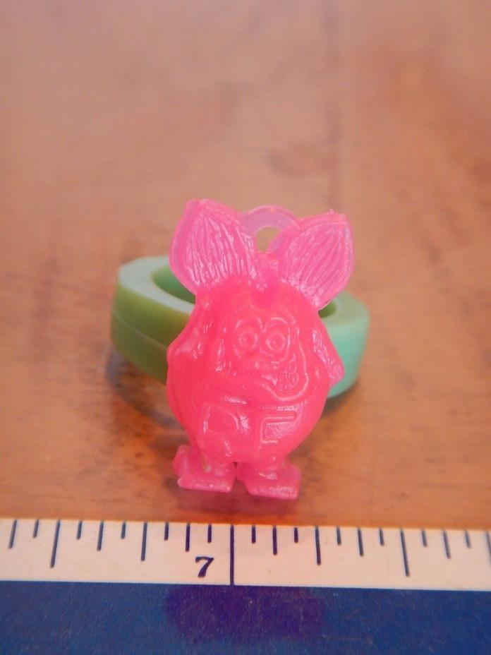 VINTAGE SMALL RAT FINK  NOVELTY RING - .75 INCHES - PINK    RAT FINK    ED ROTH