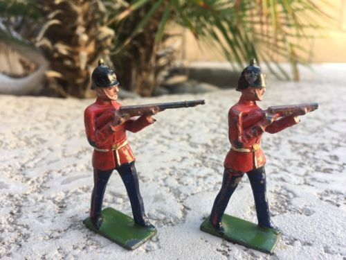 Lot of 2 - VINTAGE BRITAINS STANDING FIRING LEAD TOY SOLDIER - SCOTTISH GUARDS