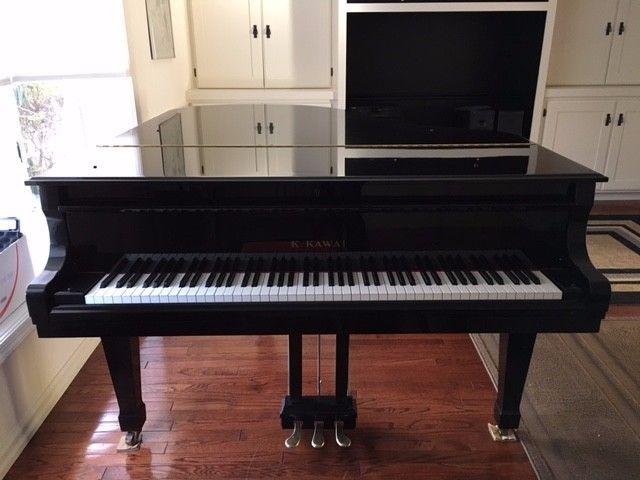 Kawai GS40 ebony grand piano