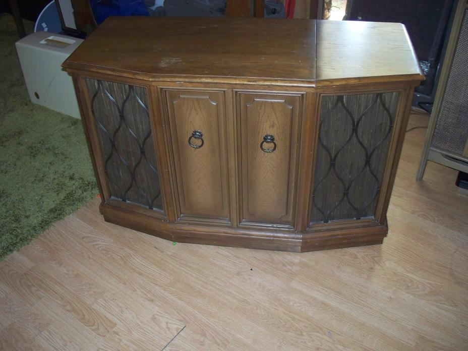 Vintage Zenith Stereo, Record player Console Excellent working condition