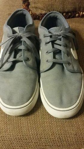 Grey Nike skate shoe size 8