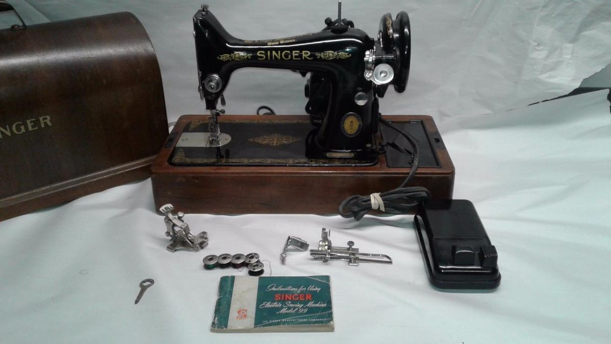 Vintage 1951 Singer CENTENNIAL Sewing Machine With Bent wood case And Key Works