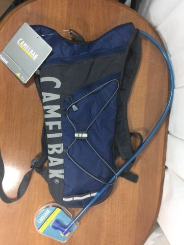 Navy BLUE NWT CAMELBAK HYDRATION CLASSIC BACKPACK 70oz Capacity RUNNING CYCLING