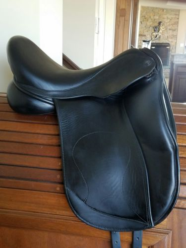 EUC 2015 Hulsebos WB4 17.5 M tree Dressage Saddle