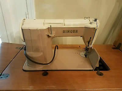 Singer sewing machine, 50s era