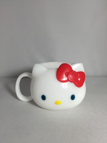 Rare Sanrio Hello Kitty Blue Eyes 2000 Heavy Plastic White Cup Made In Japan
