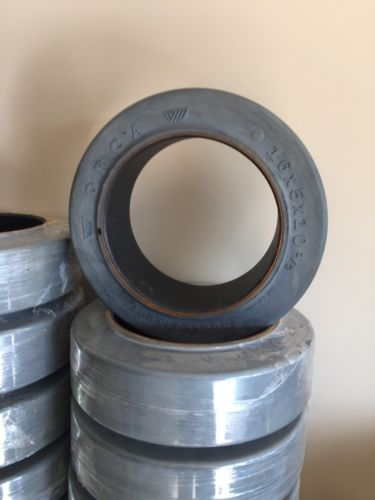 16x5x10.5 FORKLIFT TIRES SMOOTH
