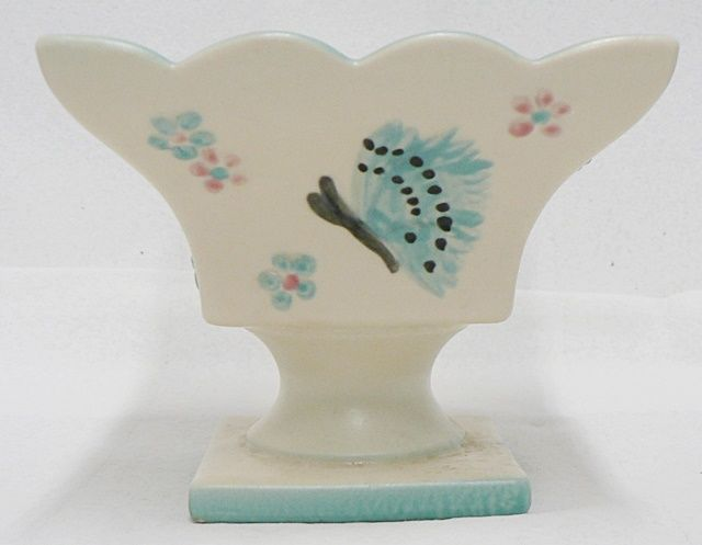 BEAUTIFUL HULL POTTERY IVORY BUTTERFLY PLANTER NUMBER B-6