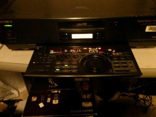 SONY EV-S7000 NTSC VIDEO Hi8 DIGITAL STEREO VIDEO RECORDER PLAYER EDITING