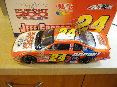 1/18 Action Jeff Gordon 2002 Monte Carlo Dupont 200th anniversary