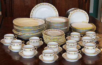 RICHARD GINORI - AOSTA Pattern ~ RARE ~ Service for 12 ~ 71-Piece ~Made in Italy